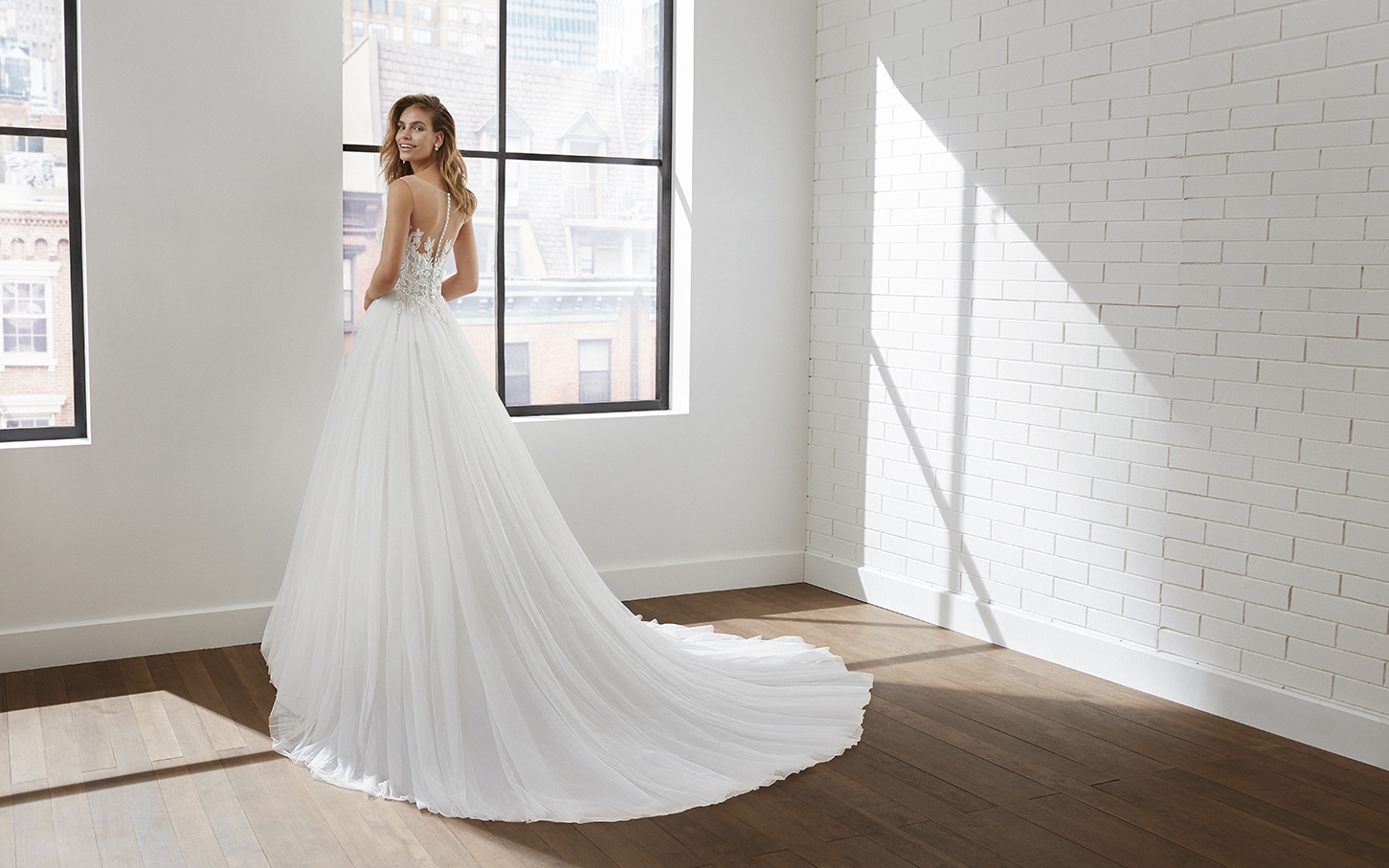 Robe de mariée chic - LINO